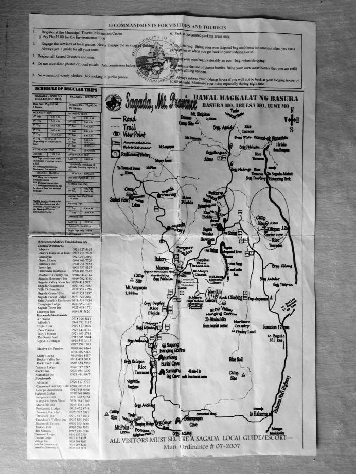Mapa Sagady společně s informacemi o autobusech