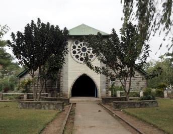 Kostel před vstupem do Echo Valley